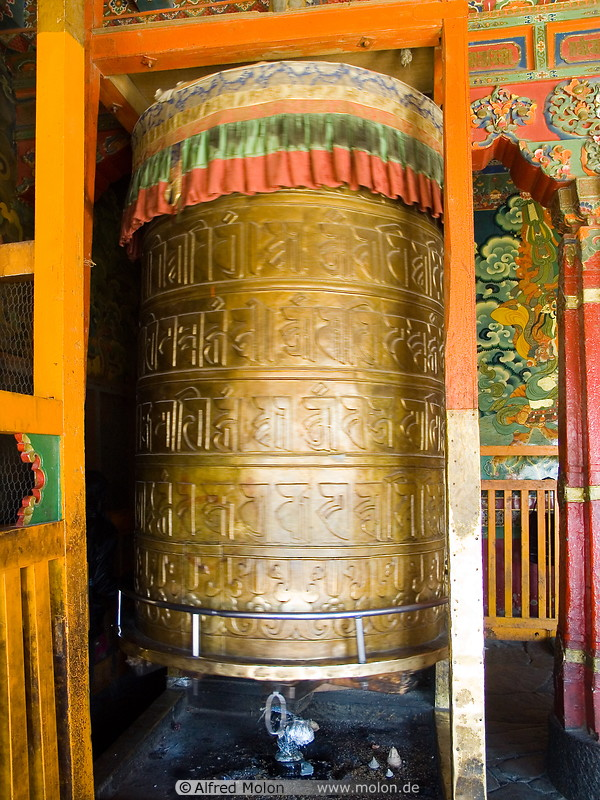 12 Prayer wheel in Jokhang temple