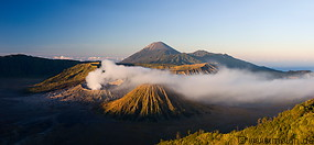 Tengger caldera at sunrise photo gallery  - 12 pictures of Tengger caldera at sunrise