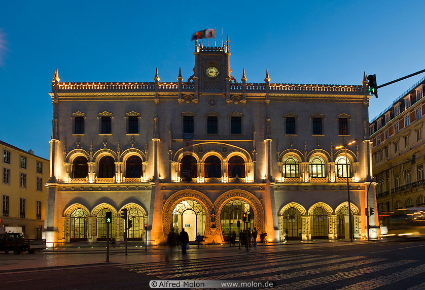 05 Rossio train station at night